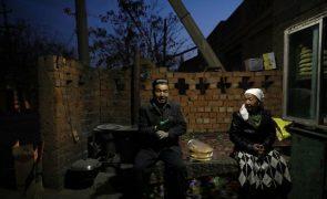 EUA e Reino Unido unem-se à UE nas sanções a China contra abuso de uigures