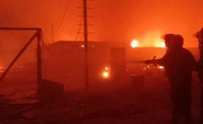Pelo menos sete mortos em incêndio em campo de refugiados 'rohingya' no Bangladesh