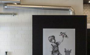 Covid-19: Obra de Banksy atinge novo recorde em leilão