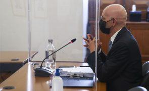 Vítor Bento diz que não teria entrado no BES se tivesse mantido exigência de contas aprovadas