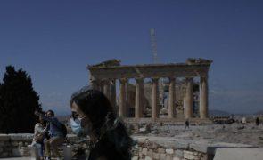 Covid-19: Grécia atinge novo máximo de contágios