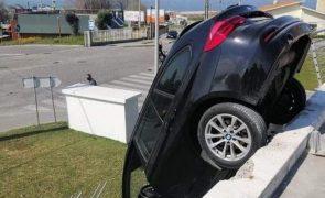 Estacionamento falhado em Gaia deixa grávida de 37 anos ferida