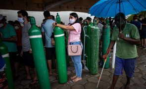 Covid-19: Risco de falta de oxigénio em seis estados brasileiros