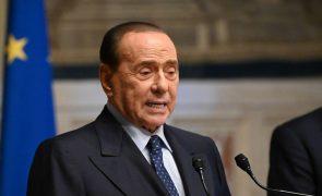 Silvio Berlusconi está hospitalizado em Itália