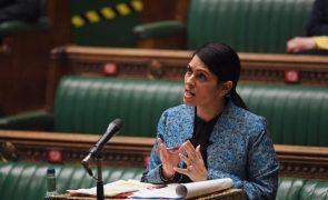 Governo britânico propõe endurecer sistema de asilo