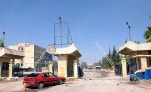 Síria: Rússia e Turquia acordam abertura de três postos de controlo em Idlib e Alepo