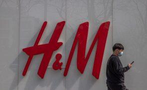 Sueca H&M deixa de aparecer em plataformas de comércio eletrónico chinesas