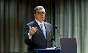 Durão Barroso apela para reforço de apoio europeu no acesso global às vacinas