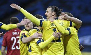 Ibrahimovic canta hino à 117.ª internacionalização após promessa pelo regresso