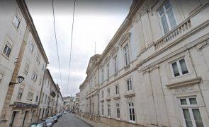 Mulher condenada em Coimbra por violência doméstica contra a sogra