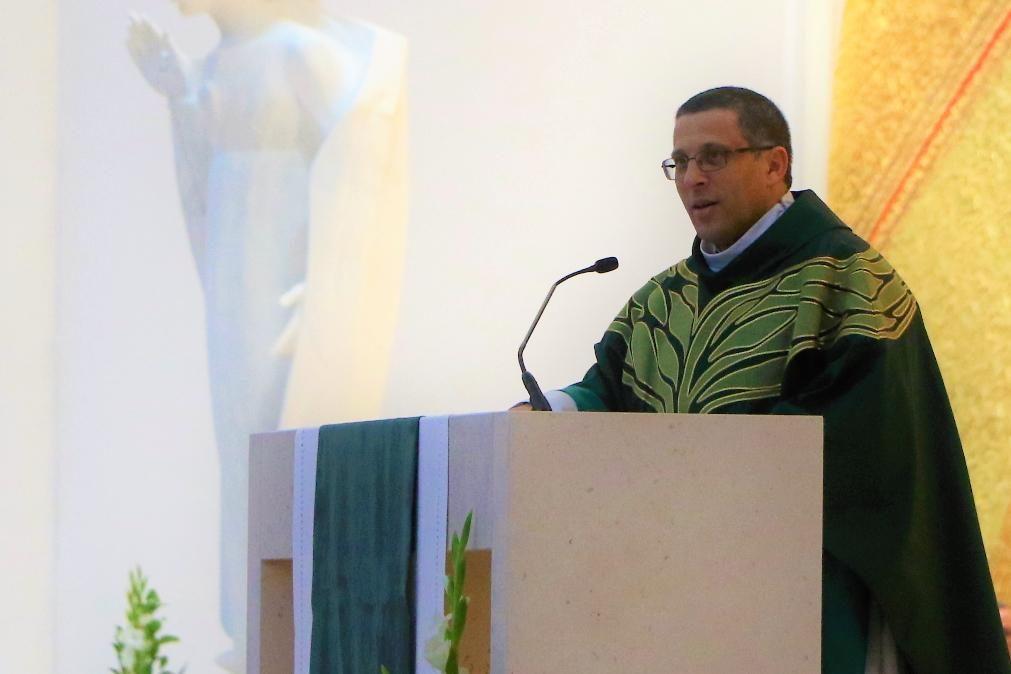 Padre de Fátima pede para deixar sacerdócio por