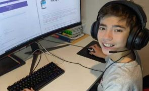 Samuel tem 12 anos e criou um site para ajudar idosos a agendar a vacinação