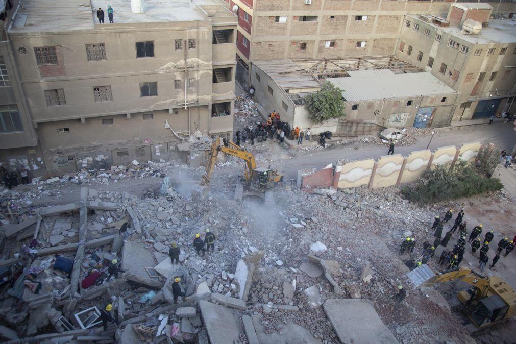Pelo menos 5 mortos em desabamento de prédio na capital do Egito