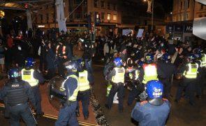 Covid-19: Pelo menos 10 detidos no Reino Unido em manifestação sobre nova lei