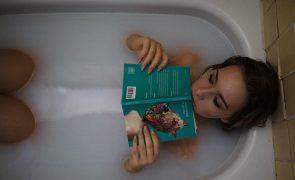 Banhos relaxantes: Tire um tempo para si todas as semanas e siga este ritual à risca
