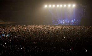 Covid-19: Cinco mil pessoas em concerto em Barcelona após teste