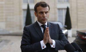 Covid-19: PR francês admite novas medidas caso confinamento atual não resulte