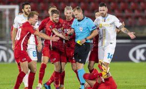 Luxemburgo-Portugal com arbitragem do árbitro russo Sergei Ivanov