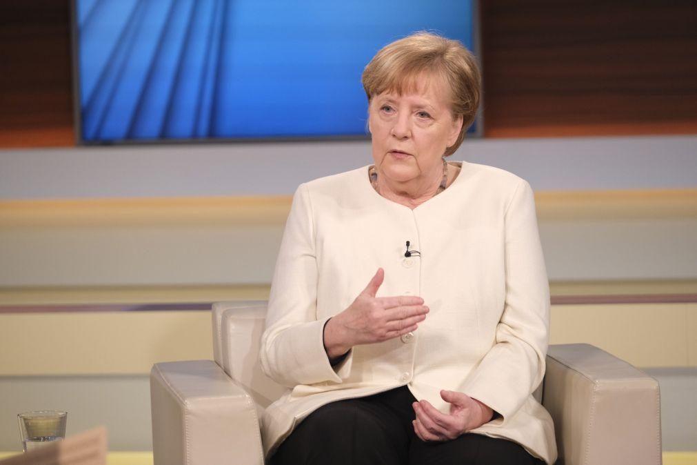 Covid-19: Angela Merkel pede aos estados regionais restrições eficazes
