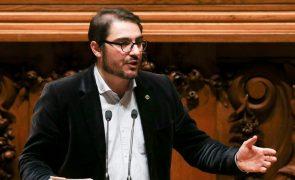 Covid-19: PCP avisa Governo para cumprir medidas em vez de