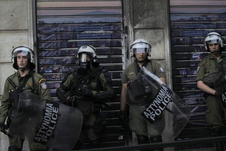 Detida em Atenas uma dirigente do grupo armado Luta Revolucionária