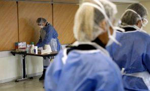 Covid-19: França ultrapassa número máximo de doentes graves da segunda vaga