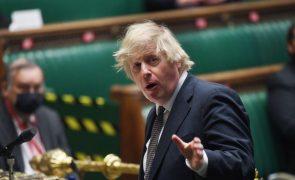 Covid-19: PM britânico reitera mensagem de cautela após alívio do confinamento
