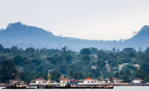 Casal português retido em São Tomé foi apoiado pela Embaixada