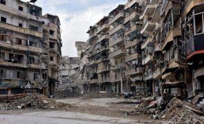 Síria: Rússia e Turquia fecham três postos de controlo em Idlib e Alepo