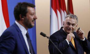 Orbán, Salvini e Morawiecki negoceiam