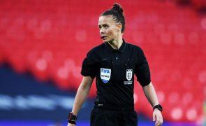 Rebbeca Welch é a primeira árbitra nomeada para jogo das ligas profissionais inglesas
