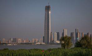 Cidade e mercado chineses não podem ser vistos como origem da pandemia, diz OMS