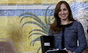 Maestrina Joana Carneiro deixa de ser titular da Sinfónica Portuguesa no final do ano