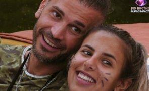 Joana Albuquerque e Bruno Savate apanhados na praia [fotos]