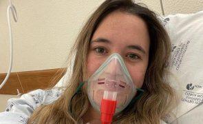 Constança Braddell sofre AVC hemorrágico e luta pela vida