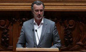 Covid-19: IL acusa Governo de «criar uma crise artificial» com apoios