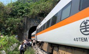 Pelo menos 36 mortos em descarrilamento de comboio em Taiwan