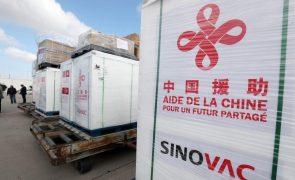 Farmacêutica chinesa Sinovac duplica capacidade de produção de vacina contra a covid