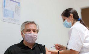 Covid-19: Presidente argentino com teste positivo apesar de ter sido vacinado