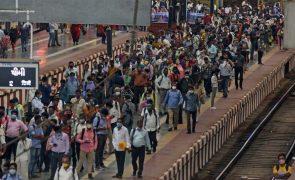 Covid-19: Índia perto do pico da primeira vaga, com 89 mil novos casos