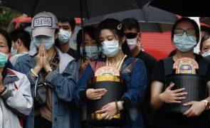 Taiwan chora vítimas do maior acidente ferroviário do país em décadas