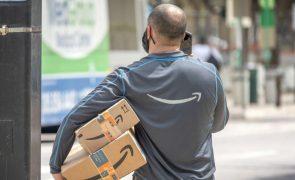 Amazon reconhece que há trabalhadores forçados a urinar em garrafas durante turnos