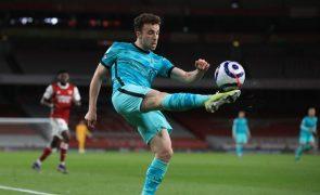 Diogo Jota bisa na vitória do Liverpool no terreno do Arsenal