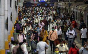 Covid-19: Índia ultrapassa 90 mil casos pela primeira vez desde pico da pandemia