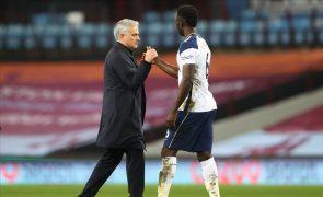Tottenham, de Mourinho, cede empate em Newcastle e falha subida ao 'top 4'