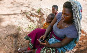 Moçambique: Pés em ferida na longa caminhada até Montepuez