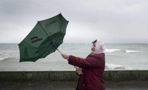 Mau tempo: Grupos Central e Oriental dos Açores sob aviso amarelo devido a chuva