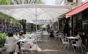 Covid-19: Normalidade regressa à rua das esplanadas no bairro lisboeta de Telheiras