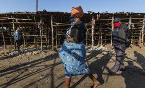 Covid-19: Presidente moçambicano alerta para