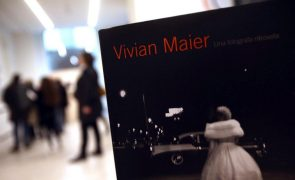 Exposição da fotógrafa norte-americana Vivian Maier a partir de hoje em Cascais